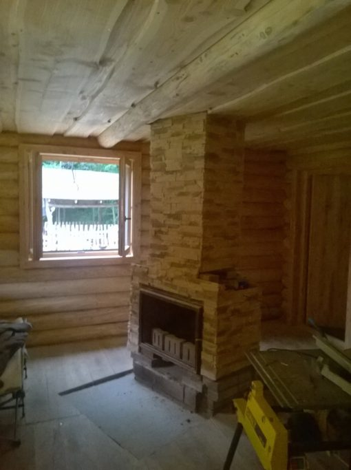 faház építés vörösfenyő rönkből